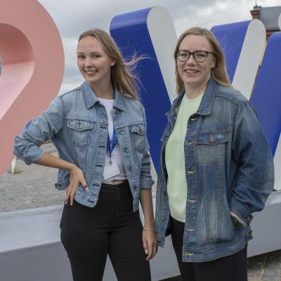 Kesäsomettaja Laura Nieminen ja Vaasan kaupungin viestintäsuunnittelija Susanna Saari