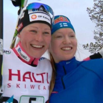 Anne Kyllönen (vas.) ja Anita Korva