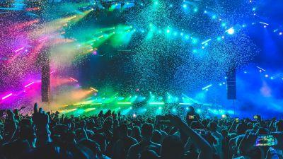Människor på en festival