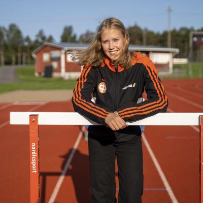 Porträttbild på Cassandra Nynäs.