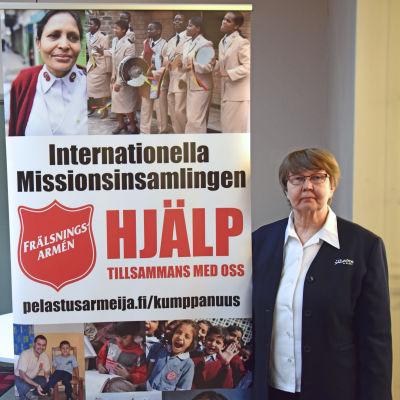 Eija Kornilow brevid reklamaffisch för frälsningsarmens insamling