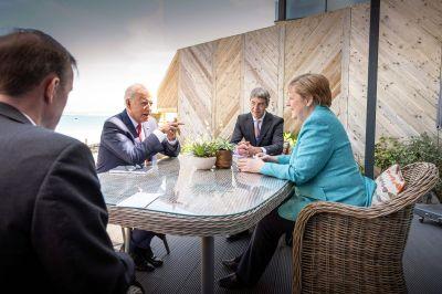 Joe Biden och Angela Merkel i Carbis Bay 12.6.2021