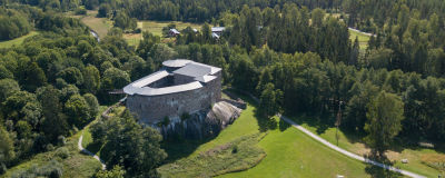 en drönarbild på Raseborgs slott.