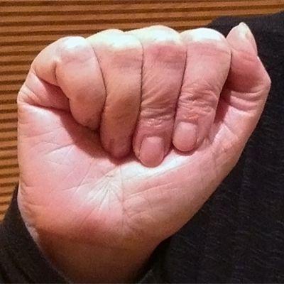 Bokstaven A på teckenspråk