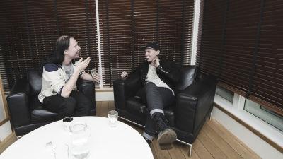 Thomas Stenström intervjuas av Kjell Simosas på Roxy Recordings i Stockholm