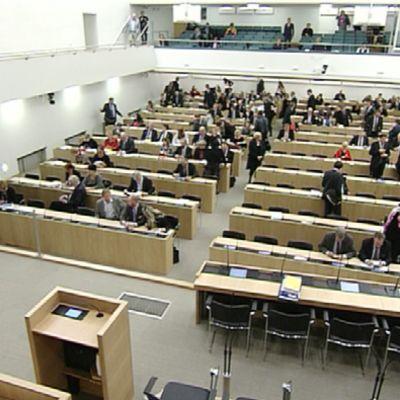 Eduskunnan väliaikainen istuntosali.