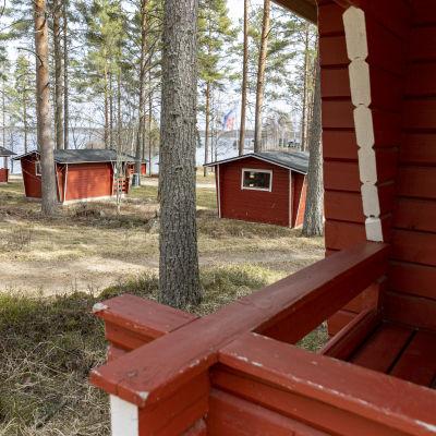 Mökkejä Kyyjärven leirintäalueella