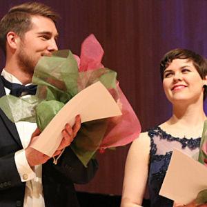 Baritoni Aarne Pelkonen ja mezzosopraano Erica Back.