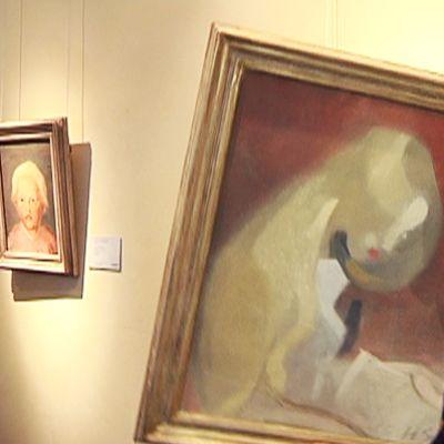 Helene Schjerbeckin teoksen takaa paljastuu toisen teoksen luonnos.