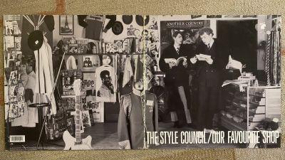Style Councilin albumin kansi auki levitettynä.