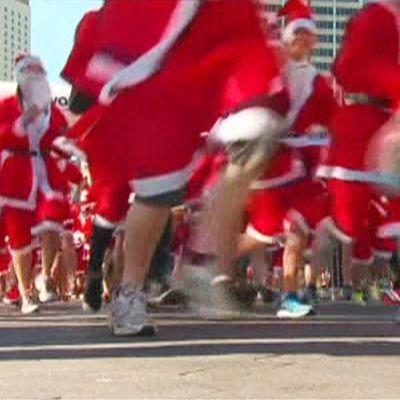 Australiassa joulupukkien juoksutapahtuma.