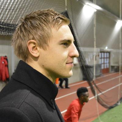 Johan Brunell är mittback i FF Jaro.