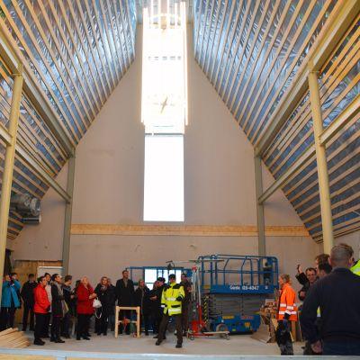 Söderkulla kyrka interiör under byggtiden