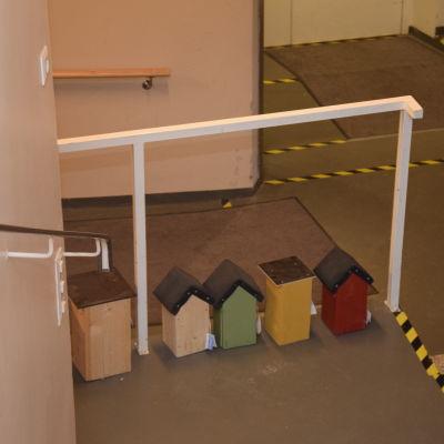 Kårkulla samkommun finns i Fixhuset i Ekenäs där besökarna bland annat gjort dessa fågelholkar.