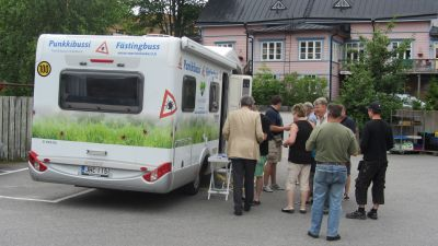 Fästingbussen kom till Ekenäs.