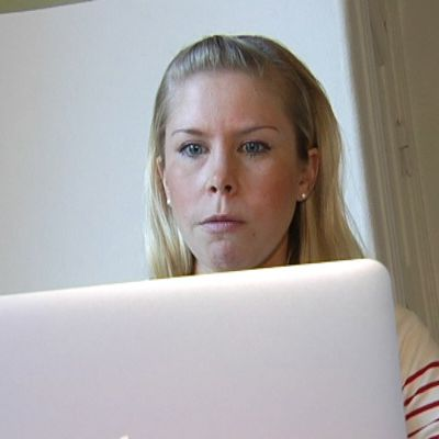Johanna Wikström får sina nyheter på nätet