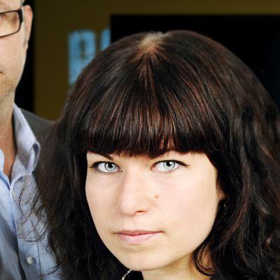 Esa Viherä ja Anu Hurme juontavat torstai-iltana Ylen Poliisi-tv:n viimeistä kertaa.