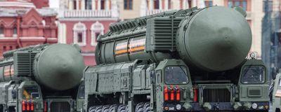 Ryssland visade upp RS-24 Jars-missiler under segerdagsparaden i maj i år.  Den här ballistiska roboten ska kunna bära tio kärnstridsspetsar.