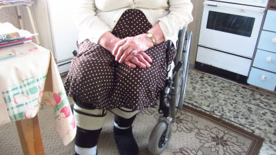 Flera åldringar behöver hemvård för att kunna bo hemma.