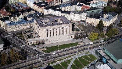 Flygfotografi av riksdagshuset maj 2020.