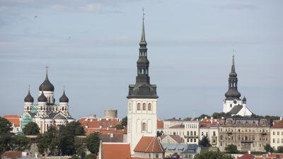 Bild på hustak i Tallin.