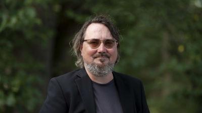 Suomentaja Janne Salo