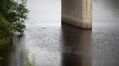 Bro över Perho å.