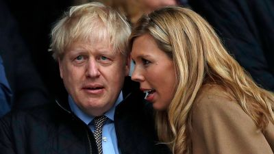 Storbritanniens premiärminister Boris Johnson och hans fästmö Carrie Symonds.