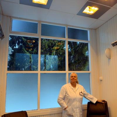 Överläkaren i hudsjukdomar Johanna Hagman på Vasa centralsjukhus.