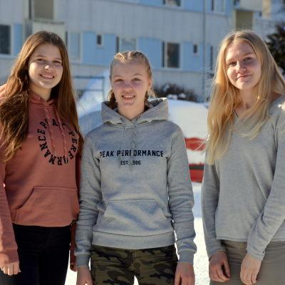 Wilma Honkakangas, Sofia Kullas och Åsa Kronqvist från FC Sport.