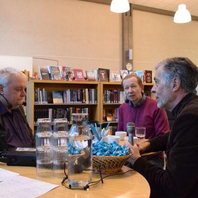 Tomy Wass (V), Mårten Nurmio och Jan-Erik Enestam (SFP).