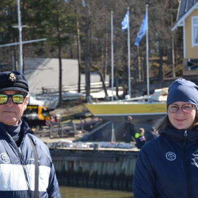 närbild på Hasse Karlsson och Sara Huldén.