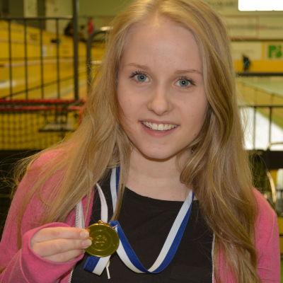 Försvararen Linda Törnqvist från PSS.