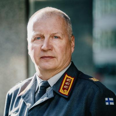 Maavoimien komentaja kenraaliluutnantti Petri Hulkko Puolustusvoimien infossa tapahtumatalo Bankissa.