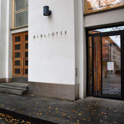 Bild på stadsbiblioteket i Vasa.