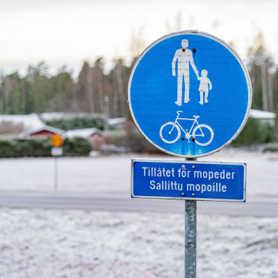 Kevyenliikenteen ja jalkakäytävän merkki