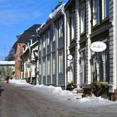 Borgå gamlastans hus i bild.