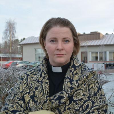 Mia Anderssén-Löf, kyrkoherde i Nykarleby församling.