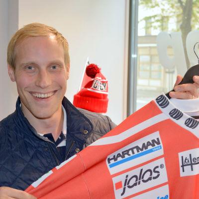 Kim Nabb med Vasa Sports tröja.