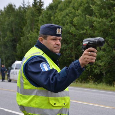 Robert Karlsson och Hastighetsradare