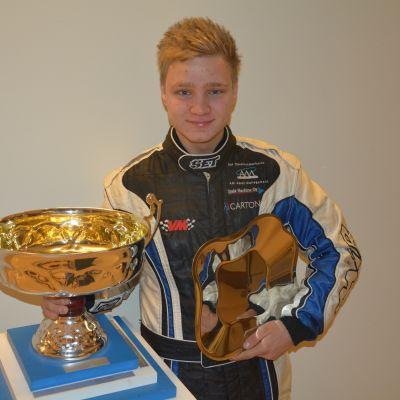 Joni Wiman är årets unga mästare inom bilsport.