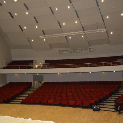 Lahden konserttitalon pääsali remontin jälkeen.