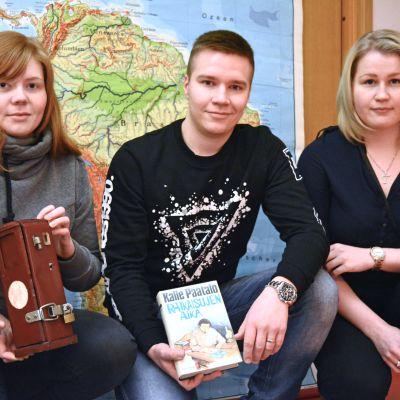 Sarianna Juntunen, Olli Kähkönen ja Tia Lahtinen loivat Kajaaniin oman mysteerihuoneen