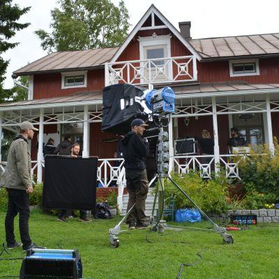 Filminspelning vid villan på Brudskär i Karleby