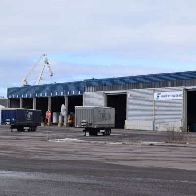 En av Stevedorings terminaler i hamnen i Hangö.