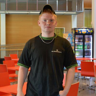 Daniel Skrifvars studerar vid Yrkesakademin i Vasa.