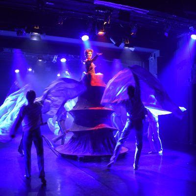 Tanssiteatteri Erin Seita-esitystä
