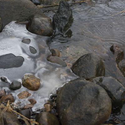 Veden nousun nopeus on yllättänyt tulvatuntijankin.