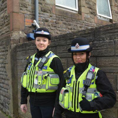 Paulina Karkocha och Magdalena Kozubska jobbar inom poliskåren i Wales.
