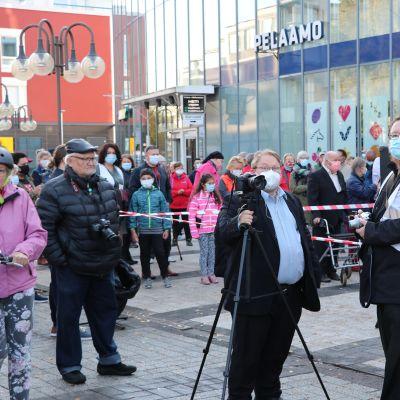 SDP:n tapahtuma Vantaalla herätti sosiaalisessa mediassa huomiota.